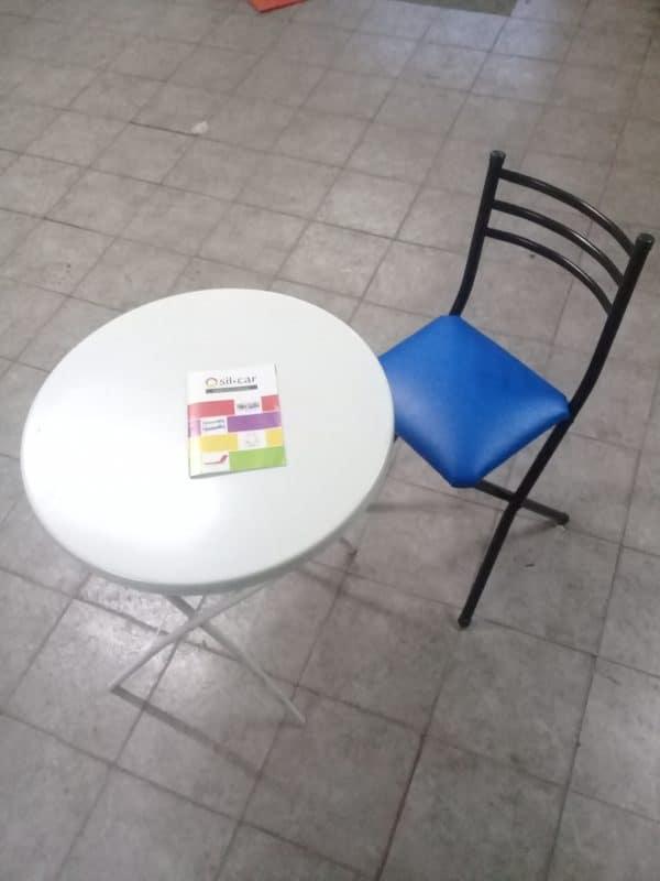 silla y mesa pegable 2